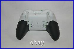 Microsoft Xbox One Elite Wireless Controller Series 1 White (Black Accessories)
