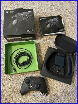 Microsoft Xbox One Series S 512GB White Console Xbox Elite Series 2 Controller