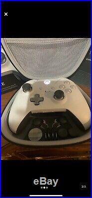 White Xbox One X With Special Edition Taco Bell Elite Controller