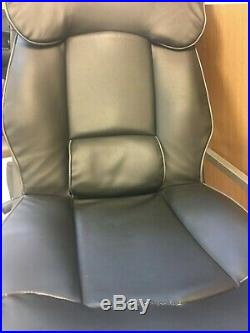 X-Rocker Elite Pro PS4 Xbox One 2.1 Gaming Chair See Pictures first, rip sewed