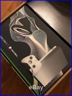 Xbox One X Platinum Taco Bell Limited Exclusive Edition Elite Controller